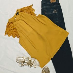 Express XS top with crochet cap sleeve